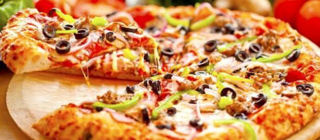 Cách làm pizza bằng lò vi sóng đơn giản, đậm hương vị Ý
